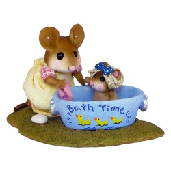 Mother mouse bathing baby in a painted tub