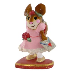 Girl mouse in party dress holds and valentine's card
