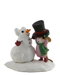 Mouse putting a Top Hat on a Snowman