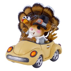 Male pionier mouse drive large turkey in his VW  bug style car