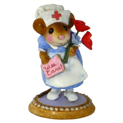 Nurse mouse with flowers and Wee Care card