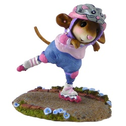 Girl mouse roller skater with helmet