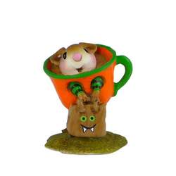 Mouse in teacup costume, pumpkin colors