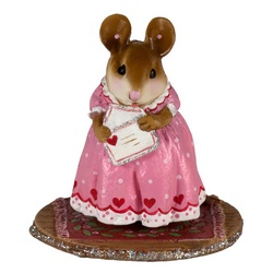 Female mouse in