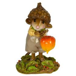 Little mouse traveler with acorn hat and autumn lanter