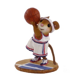 Mouse basket ball player takes a shot