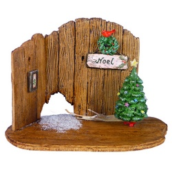Wooden backdrop for Nibble mouse house with Christmas decor